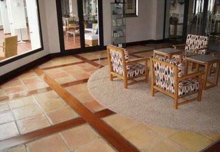 Baldosa-manual-40x40x3-madera-04-1246x700
