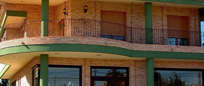 Casa con bajo comercial en El Raal